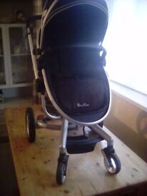 Silvercross surf Fantastic stroller in great condition . wheels and carriage like new. No damage