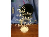Beautiful white accessory holder - for necklaces, bracelets, earrings etc. - must go by mid-May!