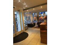 Leading Cosmetic Clinic Seeks Receptionist for Immediate Start