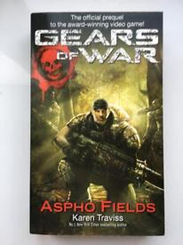 Gears of War Aspho Fields Excellent condition book
