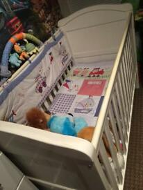 Babies crib set with drawers