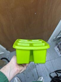 Green utensil caddy *USED*