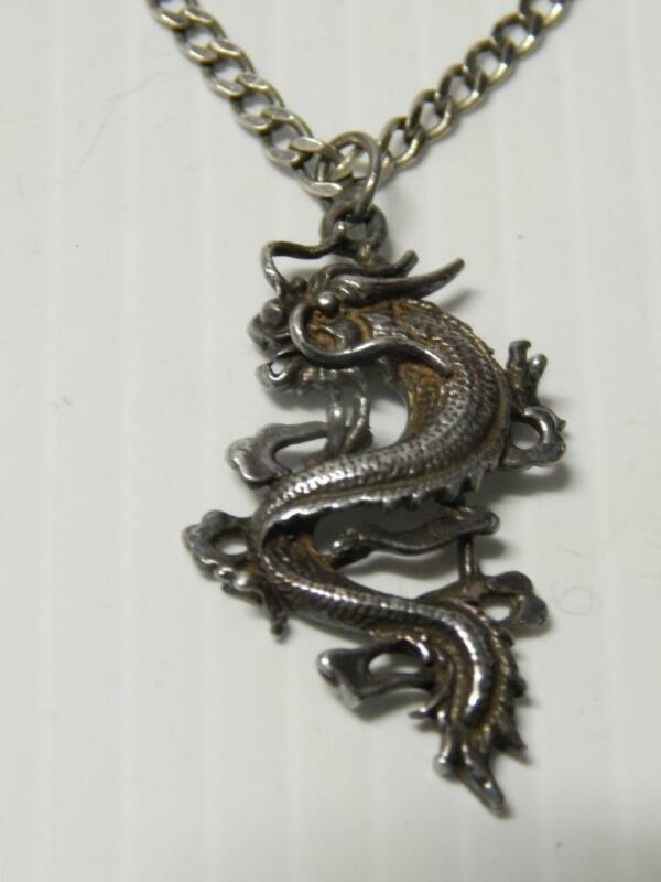 VINTAGE STERLING SILVER ASIAN / CHINESE NECKLACE DRAGON PENDANT - NICE CHAIN