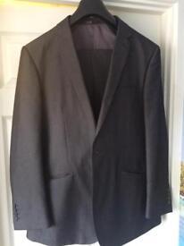 Mans suit ex cond