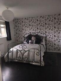 2 bedroomed unfurnished 1st floor flat to rent - Newark