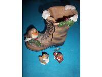 Robin Boot Ornament IP1