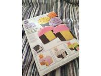 Wilton two tone cupcake kit