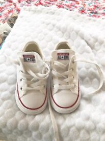 Close to new Converse Size 7
