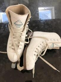 Kid ice skates - size 2