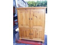 CAN DELIVER - BEAUTIFUL SOLID PINE DUTCH TV CABINET IN VERY GOOD CONDITION