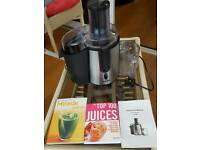 VIVO Juicer. With instructions and 2 new juice recipe books.