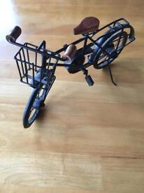 Vintage style bicycle ornament