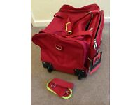 PIERRE CARDIN BRAND NEW CABIN SIZED WHEELED HOLD-ALL