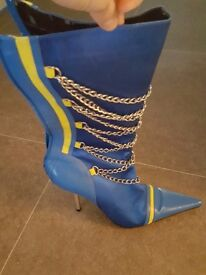 Ladies blue knee boots size 6