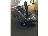 Mama and Papa Car Seat & Isofix