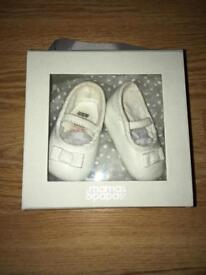 Baby shoes 0-3 mths