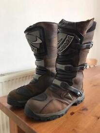 Forma Adventure Boots - Brown - size 11