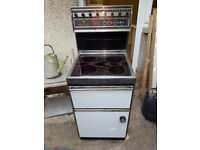 Free double oven cooker with ceramic hob