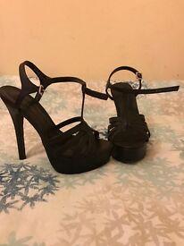 New look Size 5 T-Bar heels