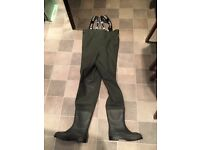 Used VASS Junior Chest Waders Size UK 5 (38)
