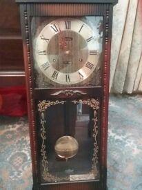 Chiming clock