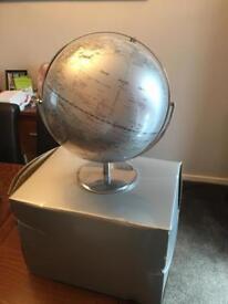 Silver globe 30cm