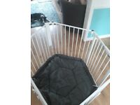 Baby play pen/ gate.