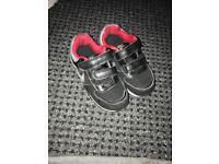 Nike kids shoes used (7.5uk size)