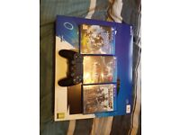Playstation 4 pro, controller and 3 games