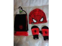 Spiderman hat scarf gloves set marks and Spencer boys age 18to36 mths.