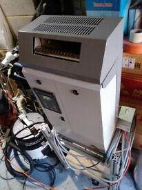 steam generator humidifier in excellent condition