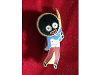 An Original Robertsons Golly Cricketer Badge/Brooch with EXTRA BLUE Enamel - FATTORINI c1940s/50s