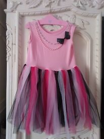 Dressing up dress 3-6 years - hardly worn