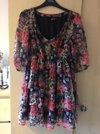 Floral loose fitting dress size Small