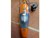 VAX CORDLESS DUST BUSTER VACUUM HOOVER - EXCELLENT WORKING ORDER - GREAT FOR THE CAR OR KITCHEN