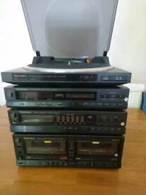 Technics stereo system with turntable and remote
