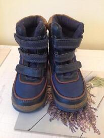 Blue zoo snow boots Infants size 6