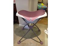 Beaba Cameleo Baby Bath with stand in very good condition (Pastel Pink)