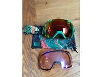 Smith iox goggles with 2 lenses. Snowboarding skiing