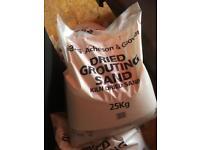 Dries grouting sand 5 bags. 25kg each