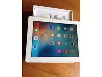 Apple iPad 4th Generation Wifi. Boxed with charger and fitted with Screen protector
