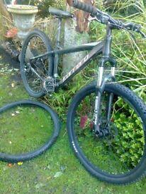 carrera vengace bike disc with 27,5 wheels all works