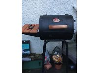 BBQ Chargriller and smoker