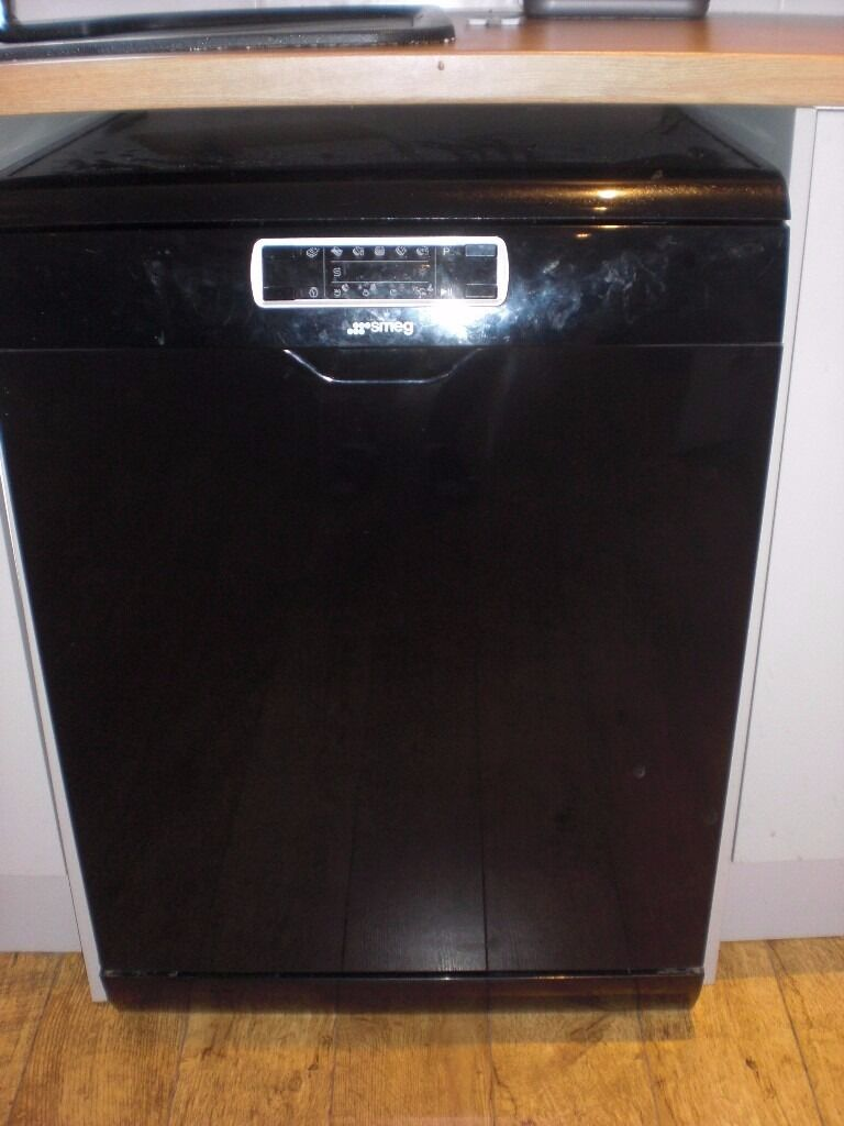 Smeg Black Dishwasher Spares Or Repair Model Dc122b N