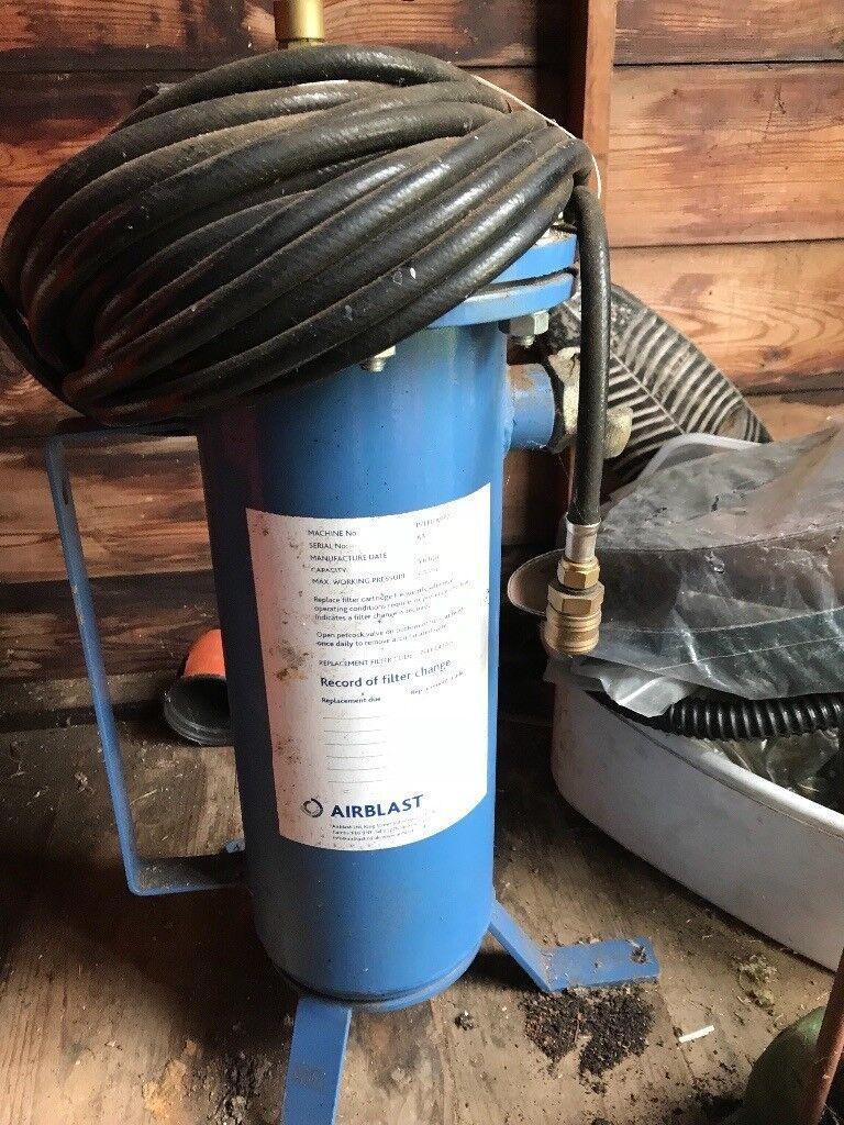 Sandblasting filter system