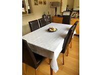 White Debenhams tablecloth and 6 napkins for sale