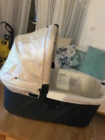 Uppa baby beige carrycot