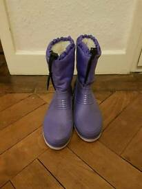GirL'S size 3 purple snowboots £4 sinfin