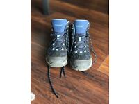 Women's Hiking Shoes Size 4