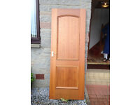 2 Internal pre-varnished doors